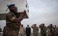 Le Commandant de la Force de la MINUSMA rend hommage aux casques bleus tombés sur l'axe Goundam-Tombouctou