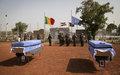 La MINUSMA rend hommage à ses combattants de la paix, dont le Casque bleu burkinabè tombé lors de l'attaque de Tombouctou