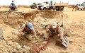 Le Contingent néerlandais de la MINUSMA dépollue une carrière de sable d'engins explosifs au quartier château de Gao