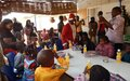 Des cadeaux offerts aux enfants de Gao par le personnel de la MINUSMA